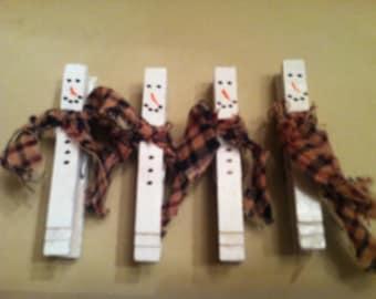 Set of 4 magnet clothes pin snowman