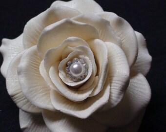 Elegant White Gum paste Sugar Rose Bud   X-Large