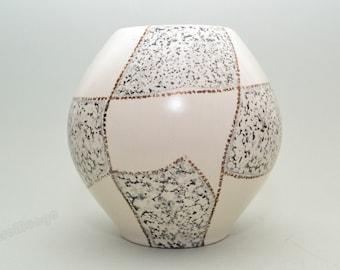 German Ü-Keramik vase  418