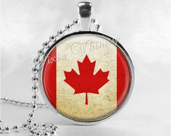 CANADIAN FLAG Necklace, Canada Necklace, Canada Flag Pendant, Glass Photo Art Necklace, Canada, Canadian Jewelry,