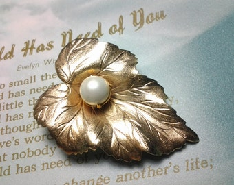 vintage costume brooch pin jewelry flower leaf pearl fall autumn