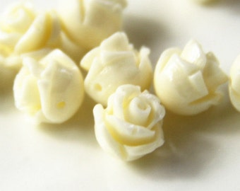 12 pcs of rsin rose bud with hole 8mm-0630-Cream