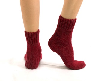 """WOMAN WOOL SOCKS """"Touring back roads"""".  Hand knitted from bordo color sheep wool yarn. Great for hiking"""
