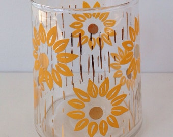 Vintage vase gold and sunflower daisies