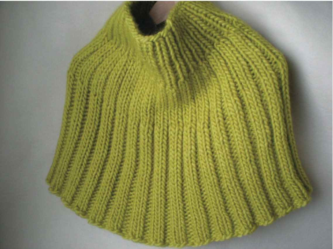 Free Capelet Knitting Patterns : Ribbed Capelet Pattern Knitting Pattern Chunky Knit Knit