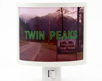 Twin Peaks Night Light tv show gifts under 20 David Lynch 90s black lodge fire walk with me Laura Palmer log lady Agent Cooper Audrey Horne