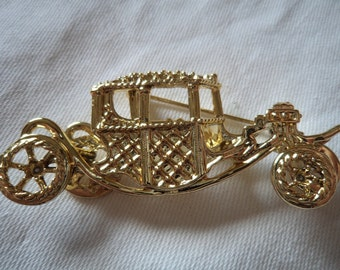 Vintage Signed AJC Gold Cinderella Carriage Brooch/Pin