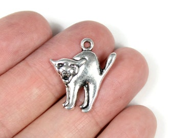 Antique Silver Scaredy Cat Charms 6 QTY