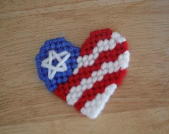 Patriotic Heart Magnet, plastic canvas, patriotic decor, Needlecraft, patriotic magnet, Veteran's Day, Memorial Day, fridge magnet