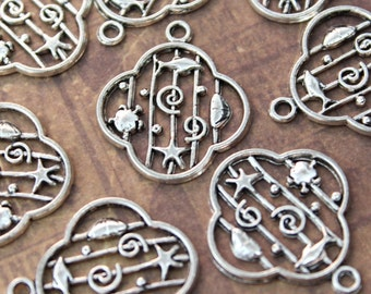 8 Sealife Charms Sealife Pendants Antiqued Silver Tone 23 x 23 mm