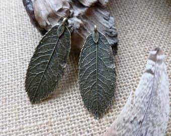 2x Leaf Charms, Antique Brass Pendants, Charms C175