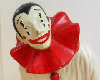 Pantomime Clown. Pierrot Clown Statue Full Figure. 1979. AUSTIN PROD INC. Large Chalkware Clown.