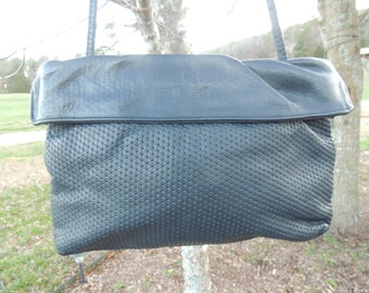 Item # P000141 Vintage GREAT AMERICAN Brand Navy Gather Top with Woven Embossed Pattern Large Body Handbag Purse