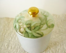 Hostess House Gift Porcelain Vanity Jar Trinket Box Green Gold Handpainted Ceramic Lily of the Valley Floral Lid Vintage China Limoges