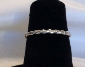 Sterling Silver Twisted Band - single - Valentine