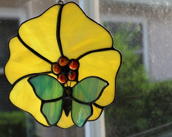 Stained Glass Green Butterfly,Yellow Flower,Colorful Suncatcher,Handmade,Garden Decor,For the Porch,Birthday,Gift For Mom,Butterfly Lover