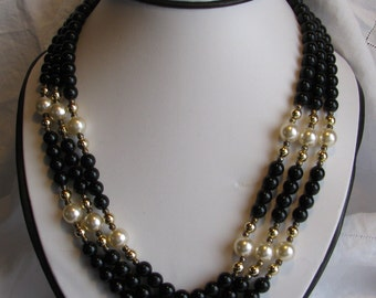 """Beautiful & Elegant Triple Strand Beaded 20"""" Necklace, Black with Gold and Pearl Accents, Vintage"""