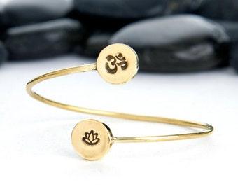 OM, OM charm, jewelry, OM Bracelet, Lotus, lotus flower, lotus charm, lotus bracelet, bracelet, yoga charm, yoga jewelry, b249lb