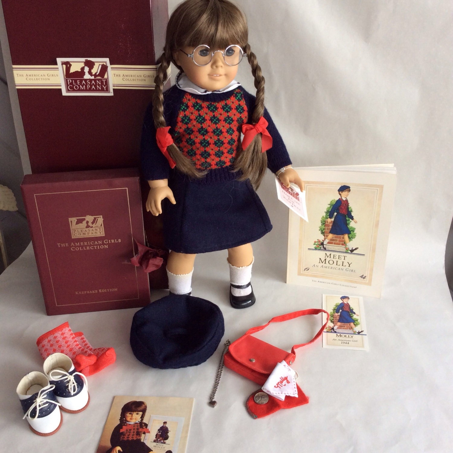 vintage american girl molly mcintire by pleasant company. Black Bedroom Furniture Sets. Home Design Ideas