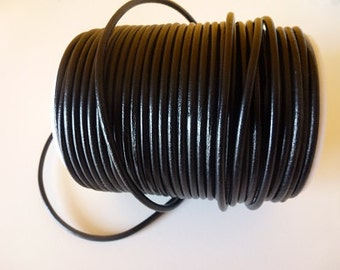 D-02601 - 1m. Genuine Leathercord 3mm Black