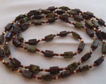vintage green ceramic/glass bead necklace