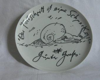 "Rosenthal artist-plate no. 1 / literature plate (1973). Günter Grass - ""Progress is a snail""  - limited: 1010 / 5000. Collectible. VINTAGE"