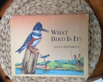 Vintage 1945 What Bird Is It? Hardcover Book