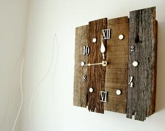 Vintage Style Reclaimed Barnwood Clock