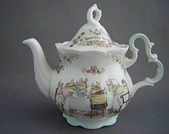 Royal Doulton Brambly Hedge Miniature Tea pot  Highly Collectible