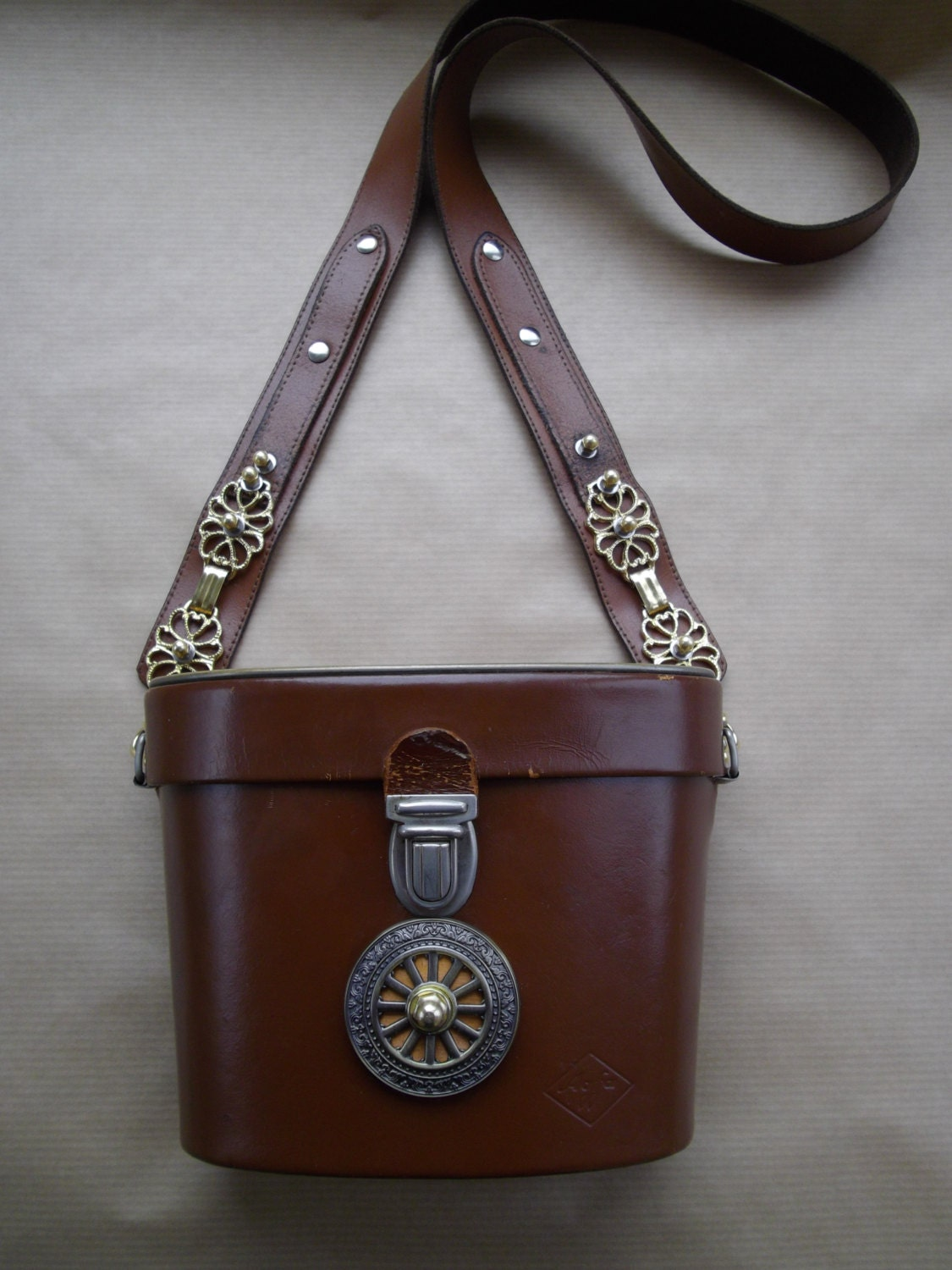 What Is Leather Made Of >> Steampunk hand bag purse binocular case