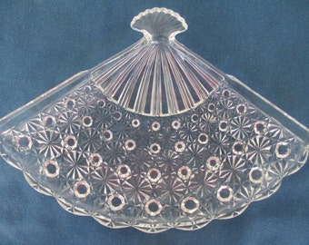 Vintage Anchor Hocking Clear Fan Shaped Serving Plate/Tray With Scallop Edges Collectible Glass