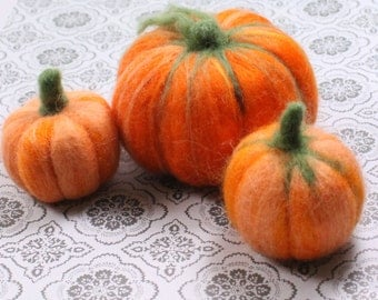 3 Pumpkins halloween fall Decoration Handmade Needle Felted