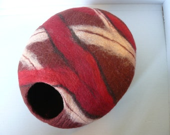Felted Cat Cave / Cat House/ Mix Red Ruby Cocoon and GIFT