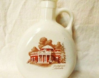 FITZGERALD Flagship Decanter- Featuring Thomas Jefferson's Monticello- Vintage Barware- Retro Decanter-Bottle