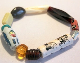 beaded bracelet with mixed colors