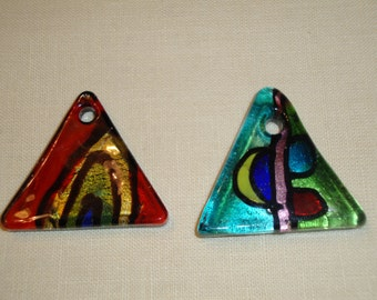 2 lampwork glass pendant charms43x43x43mm triangle shape 4mm hole