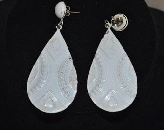 Vintage 1980s Pierced White Metal Earrings