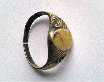 Antique ring. Lot 2