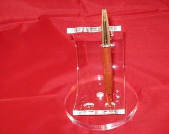 Dutchess Twist Pen( Pink Ivory) includes a felt plastic Pen case