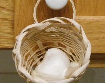 Garlic Basket  1014