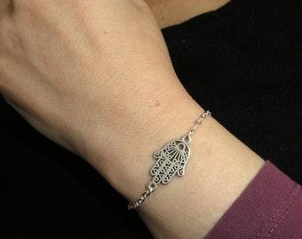 Hamsa hand bracelet, Silver hamsa hand bracelet, Hamsa jewelry, Amulet bracelet, Good luck charm bracelet, Hand of fatima jewelry