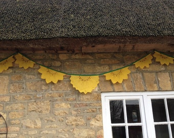5.1m (16ft) - Sunny Sunflower Bunting
