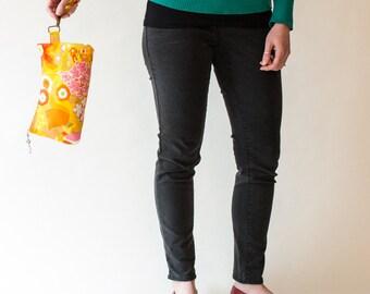Retro Clutch, Orange floral,  Coraline bag from Swoon patterns, zipper close, fun wristlet