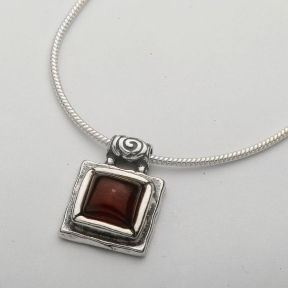 SHABLOOL Israel didae handcrafted red garnet sterling silver 925 necklace