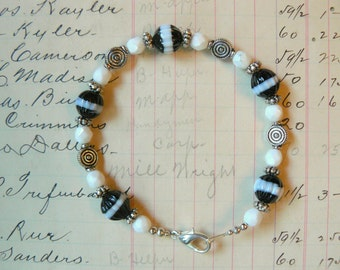 Black and White Swirly Fun Beaded Bracelet - Inventory Clearance Sale and FREE SHIPPING