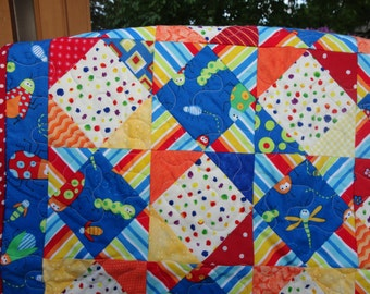 """Baby Quilt with lots of BUGS    28"""" x 33"""""""