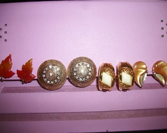 4 Pairs of vintage earrings.