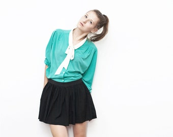 SALE !! vintage mint blouse with white accent collar and detachable bow tie