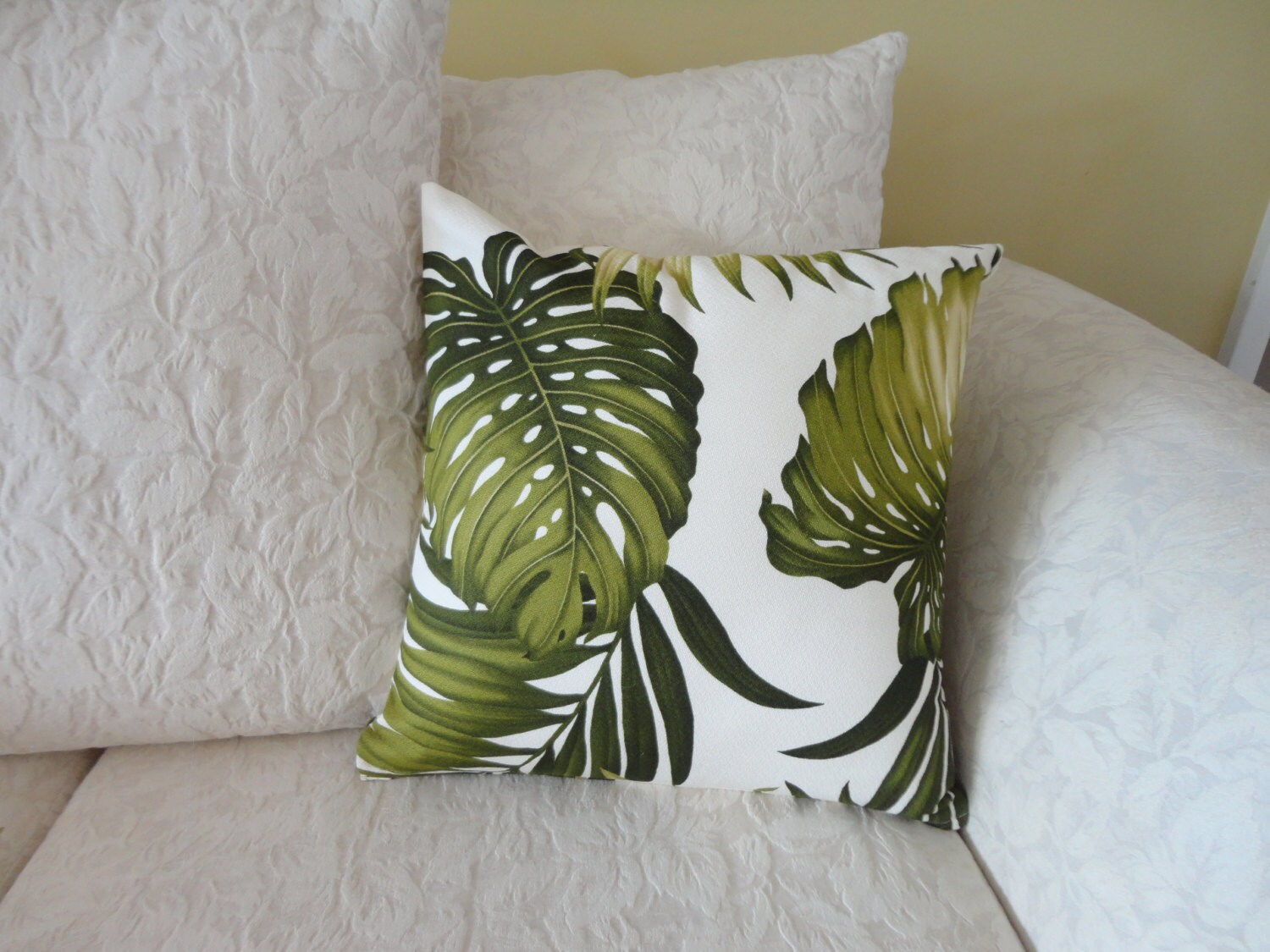 Tropical Throw Pillow Covers : Throw Pillow Cover / Tropical Leaves / Hawaiian Print