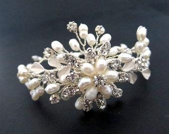 Bridal bracelet, Pearl bracelet, Rhinestone bracelet, Crystal bracelet, Wedding jewelry